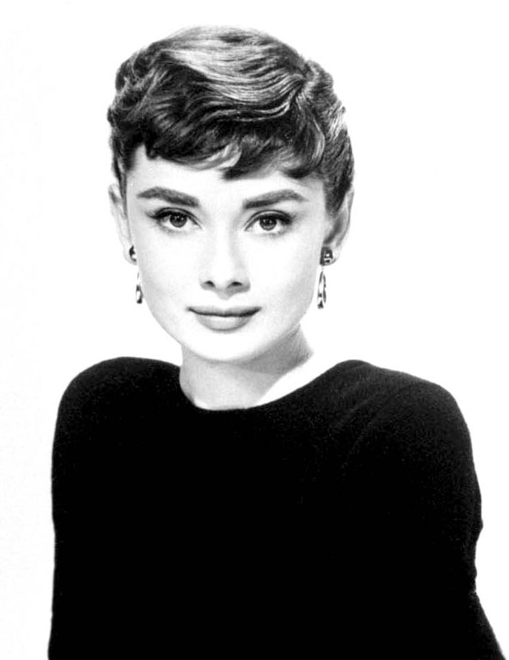 Audrey_Hepburn_black_and_white
